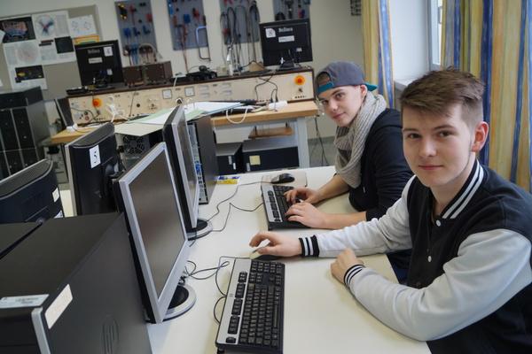 Landesberufsschule 4 informatik it technik for Ict techniker