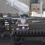 /xtredimg/2021/Blechtechnik/Ausgabe326/23511/web/IMG_0103_Roboter_legt_fertig_bearbeitete_Teile_auf_die_Palette.jpg