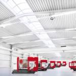 /xtredimg/2015/Fertigungstechnik/Ausgabe119/6692/web/Hausausstellung_Halle-mit-Maschinen.jpg